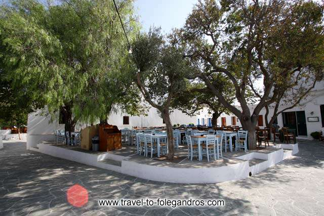 FOLEGANDROS PHOTO GALLERY - Kontarini square by Ioannis Matrozos