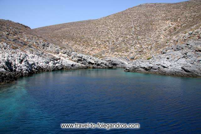 FOLEGANDROS PHOTO GALLERY - Aspropounta by Ioannis Matrozos