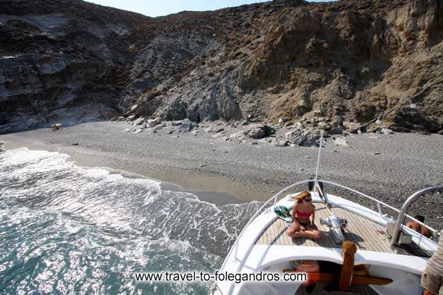 The tour boat arrives at katergo beach FOLEGANDROS PHOTO GALLERY - Katergo beach by Ioannis Matrozos