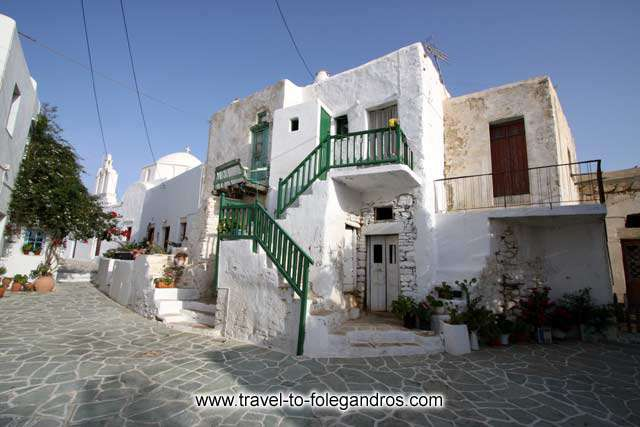 Lili Behraki square and Pantanassa FOLEGANDROS PHOTO GALLERY - Kastro by Ioannis Matrozos