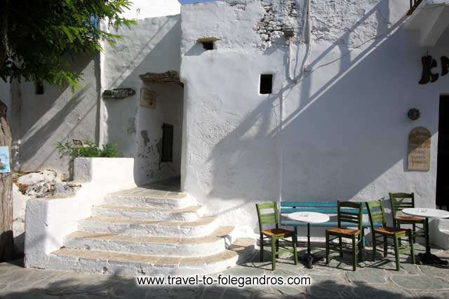 Paraporti - Paraporti is the first entrance into the castle of Folegandros by Ioannis Matrozos